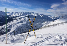 Horizontal de l'hiver en jour ensoleillé Photo libre de droits
