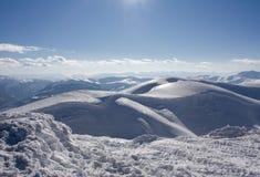 Horizontal de l'hiver sur la montagne de Bjelasnica en Bosnie Photographie stock