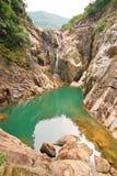 Horizontal de lac de cascade à écriture ligne par ligne Images libres de droits