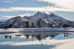 Horizontal de montagne d'Alpes Horizontal de l'hiver Images libres de droits