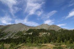 Horizontal de montagne dans les montagnes occidentales de Sayan Photos stock
