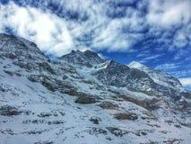 Horizontal de montagne de l'hiver Photographie stock libre de droits
