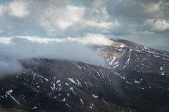 Horizontal de montagne de source Photo stock