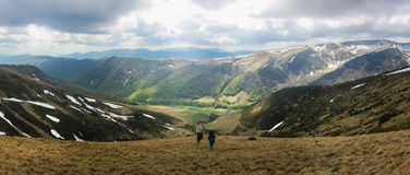 Horizontal de montagne de source Image stock