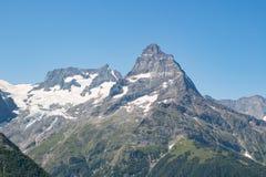Horizontal de montagne Vue d'automne de Caucase photo libre de droits
