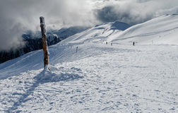 Horizontal de montagnes de l'hiver Image libre de droits