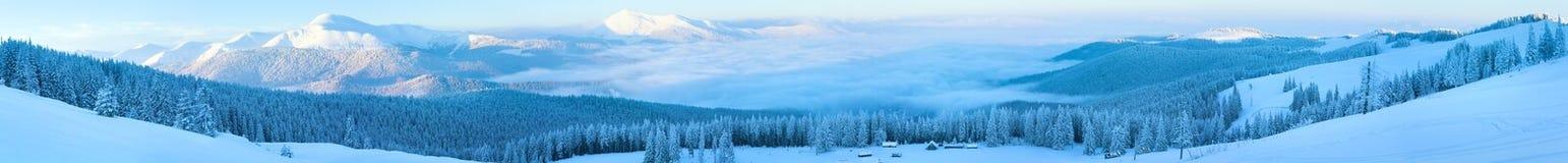 Horizontal de panorama de montagne de l'hiver. Photos stock