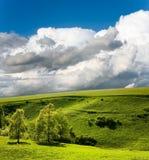Horizontal et ciel nuageux Photographie stock