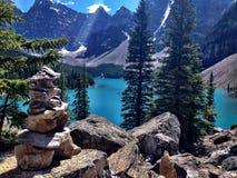 Horizontal lumineux de montagne photographie stock libre de droits