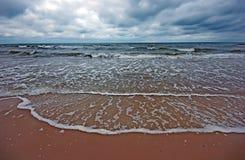Horizontal nuageux de mer Images stock