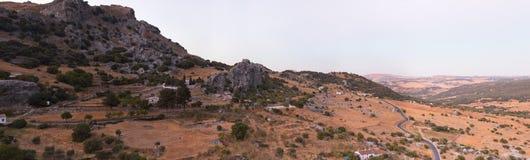 Horizontal overviewing de montagne de photo panoramique. Photos libres de droits