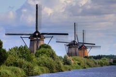 Horizontal renversant, moulins à vent dans le netherland Photographie stock libre de droits