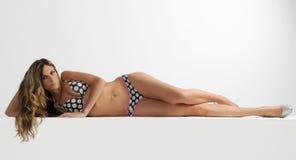 Horizontal tacheté de bikini Photos libres de droits