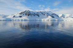 Horizontal view of antarctic mainland Royalty Free Stock Images