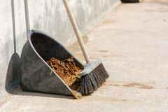 Free Horizontal View Of Broom Full Of Horse`s Manure And A Scoop At T Stock Images - 122291824
