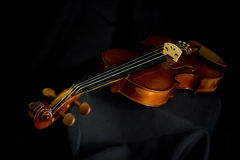 Horizontal violin in black Royalty Free Stock Images