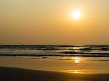 Horizontal vivid ocean horizon tidal waves with sun glow Royalty Free Stock Photography