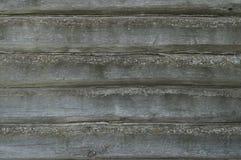 Horizontale Boomtextuur Oude logboekmuur Sjofele Muur van oude raad Oude bouwvallige boomtextuur Royalty-vrije Stock Afbeeldingen