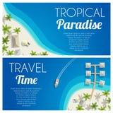 Horizontale Fahnen des sonnigen Sommerstrandes mit Palmen und Bungalows Vector Abbildung, EPS10 Lizenzfreie Stockbilder