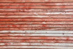 Horizontale houten planken met schil rode verf, textuur Stock Fotografie
