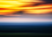 Horizontale klare unscharfe Abstraktion des Sonnenuntergangs Landschaft Stockbild