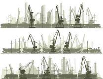 Horizontale Linien von Industriestadt mit Frachtkran ragen hoch Stockfotografie
