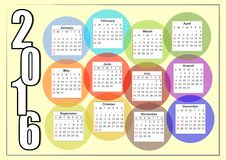 horizontaler Kalender 2016 mit dem Regenbogen, der bunte Blasen, jeden Monat in einem unterschiedlichen Kreis überschneidet Lizenzfreie Stockfotos