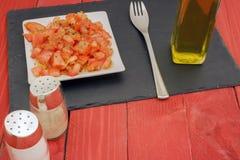 Horizontaler Tomatensalat Stockfoto