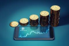 Horizontaslmartphone med Bitcoin det kontanta svallvågdiagrammet och växande högar av guld- Bitcoin kassamynt Royaltyfri Foto