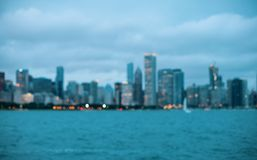 Horizonte borroso del paisaje urbano del extracto de Chicago del bokeh fotos de archivo