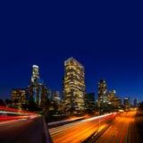 Horizonte céntrico Calif de la puesta del sol de Los Ángeles de la noche del LA Fotografía de archivo