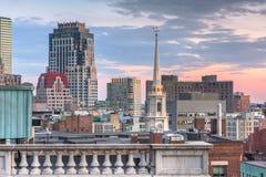 Horizonte céntrico de Boston, Massachusetts, los E.E.U.U. sobre el parque imagen de archivo libre de regalías