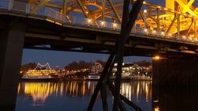 Horizonte céntrico de California del capital del río Sacramento del puente de la torre almacen de video