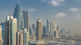 Horizonte céntrico de Dubai con los rascacielos y el timelapse de las torres, visión desde el tejado almacen de video