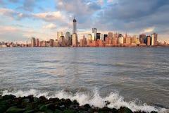 Horizonte céntrico de Manhattan Imagen de archivo libre de regalías