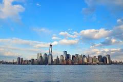 Horizonte céntrico de Manhattan Fotografía de archivo libre de regalías