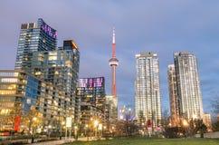 Horizonte céntrico de Toronto foto de archivo