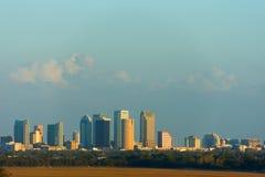 Horizonte completo de Tampa la Florida que muestra crecimiento de la construcción en el sur Imagen de archivo