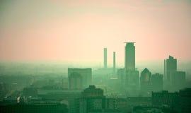 Horizonte contaminado de la ciudad. Brescia, Italia Fotografía de archivo