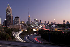 Horizonte de Atlanta en la puesta del sol Fotos de archivo