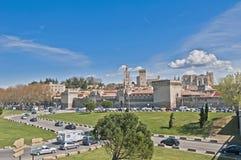 Horizonte de Aviñón según lo visto de Pont Edouard Daladier, Francia imágenes de archivo libres de regalías