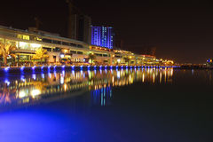 Horizonte de Bahrein en el nite 2 Fotos de archivo