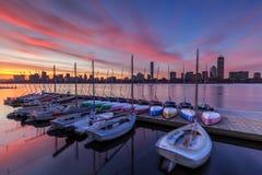 Horizonte de Boston en el amanecer imágenes de archivo libres de regalías