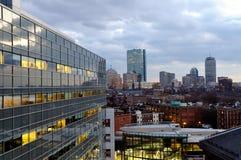Horizonte de Boston en la noche Imagen de archivo libre de regalías