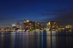 Horizonte de Boston en la noche, Massachusetts, los E.E.U.U. Fotografía de archivo libre de regalías