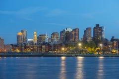 Horizonte de Boston en la noche, Massachusetts, los E.E.U.U. Imágenes de archivo libres de regalías