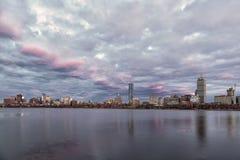 Horizonte de Boston en la puesta del sol imágenes de archivo libres de regalías