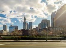 Horizonte de Boston y torre de reloj de aduanas - Boston, Massachusetts, los E.E.U.U. Imagen de archivo