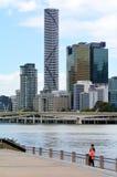 Horizonte de Brisbane - torre del infinito Foto de archivo libre de regalías
