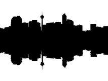 Horizonte de Calgary reflejado Imágenes de archivo libres de regalías